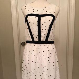 Kensie Knee Length Dress Size Medium